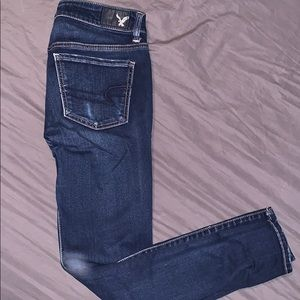 Size 4 short AE jeans. Only wore once or twice!